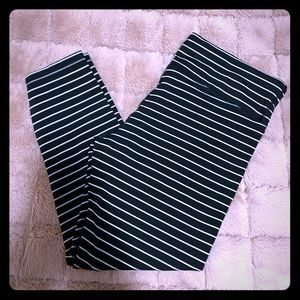 Gap fit striped athletic leggings